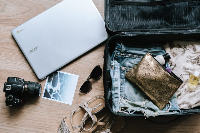 You'll need to set some time aside to pack before you relocate from the US to France.